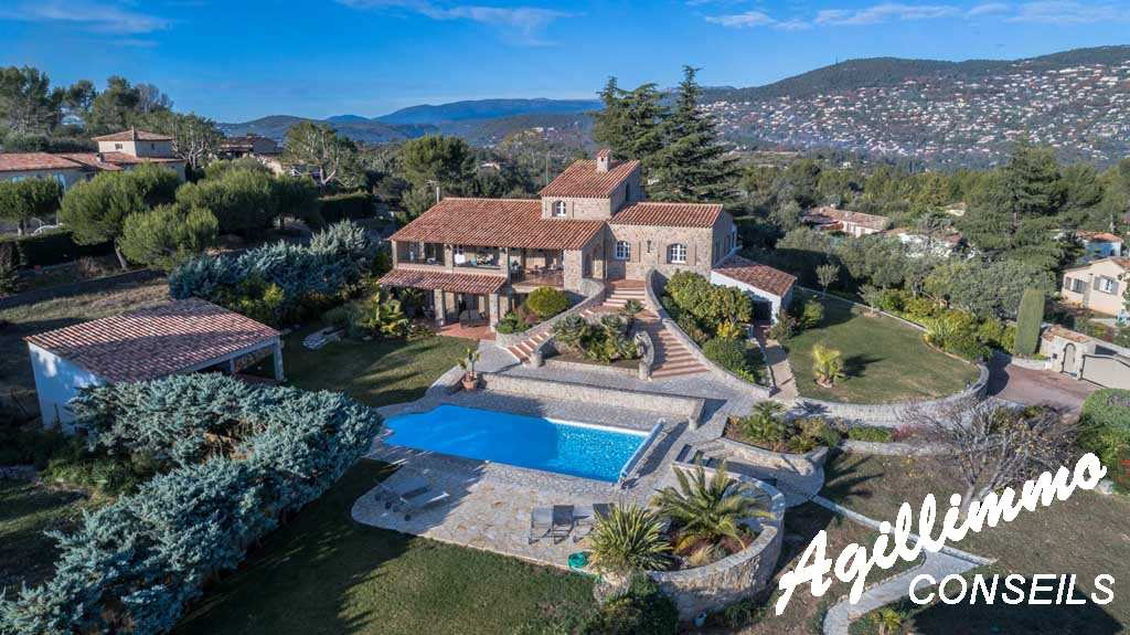 Superbe propriété en pierre avec vue mer - PEYMEINADE - Sud de la France
