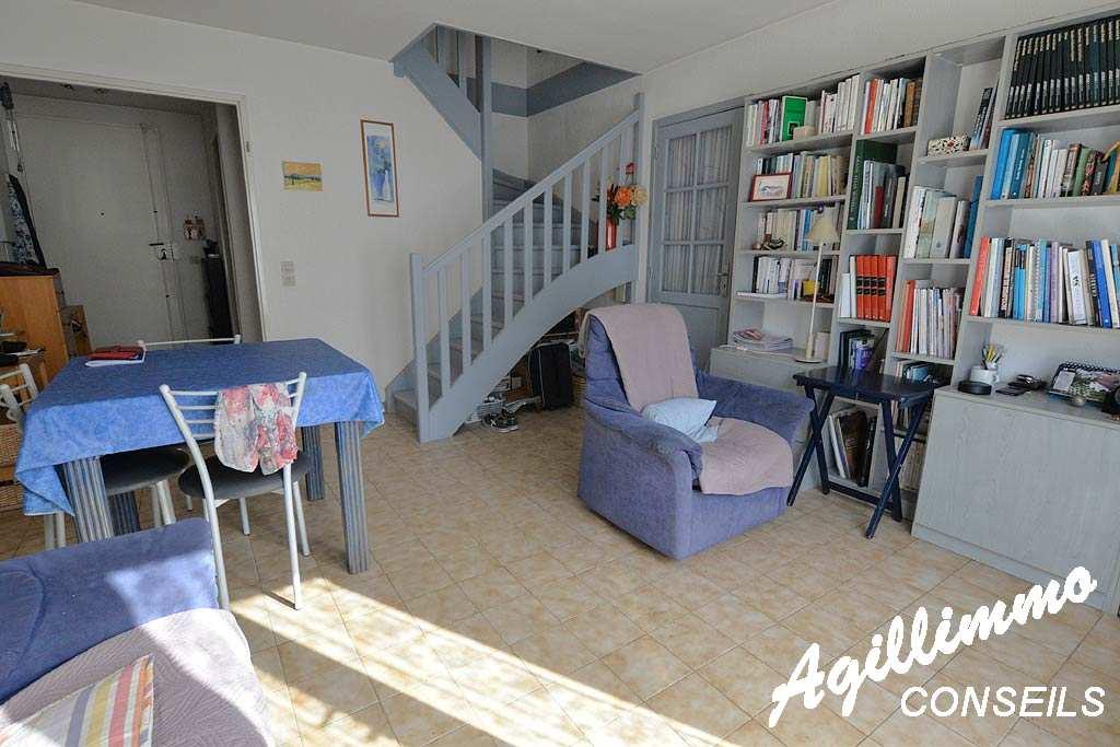 Maison 3 pièces avec jardin et garage - PUGET SUR ARGENS - Sud de la France