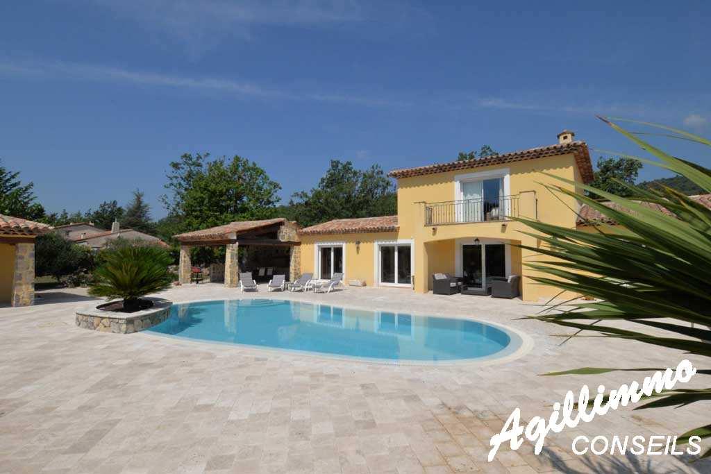 Propriété 2 logements sur terrain de 4500 m2 - FAYENCE - Sud de la France
