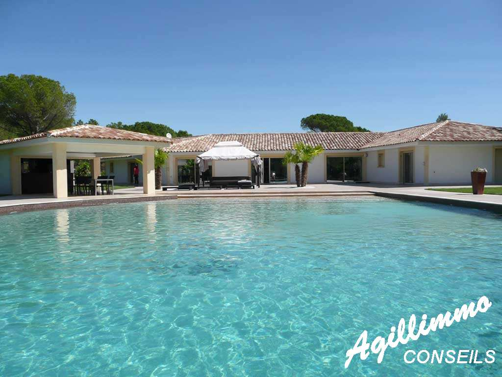 Propriété haut de gamme Maison moderne - ROQUEBRUNE SUR ARGENS - Sud de la France