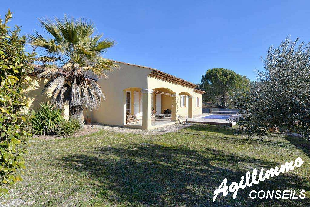 Propriété 6 pièces avec 2 logements - LE MUY - Sud de la France