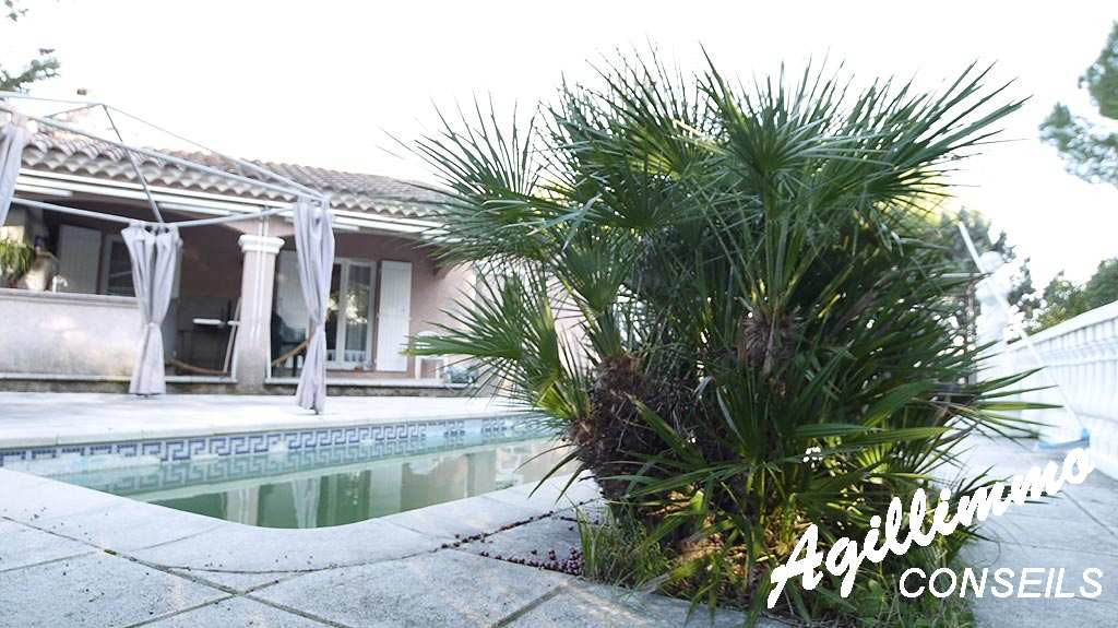 Villa 4 pièces sur 940 M2 de terrain - puget sur argens - Sud de la France