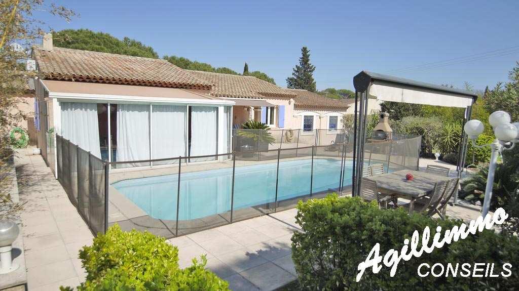 Villa 6 pièces de plain pied grand terrain et piscine - PUGET SUR ARGENS - Sud de la France