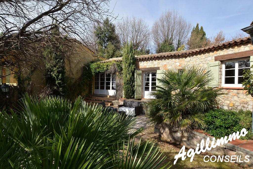 Propriété en pierres avec chambres d'Hôtes et Gîtes - VAR - Sud Est de la France