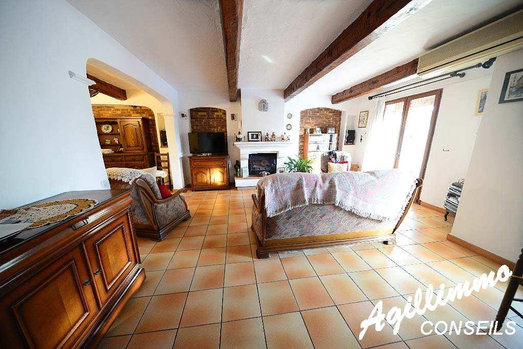 Maison 5-6 pièces avec garage et piscine - PUGET SUR ARGENS - Sud de la France