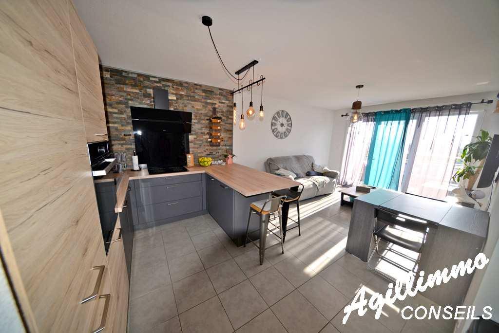 Magnifique T3 moderne avec terrasse au dernier étage  - PUGET SUR ARGENS - Sud de la France