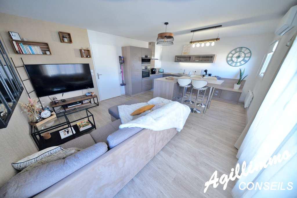 Appartement 2 pièces dans résidence récente avec garage - PUGET SUR ARGENS - Sud de la France