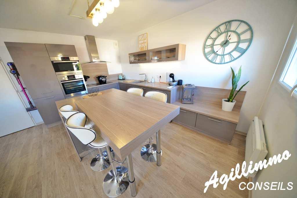 Appartement 2 pièces dans résidence récente avec garage - 83480 - Sud de la France