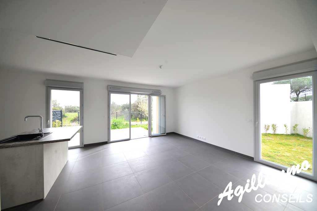 Maison neuve (mitoyenne) de 86 M2 avec garage et jardin de 117M2 - PUGET SUR ARGENS - Sud de la France