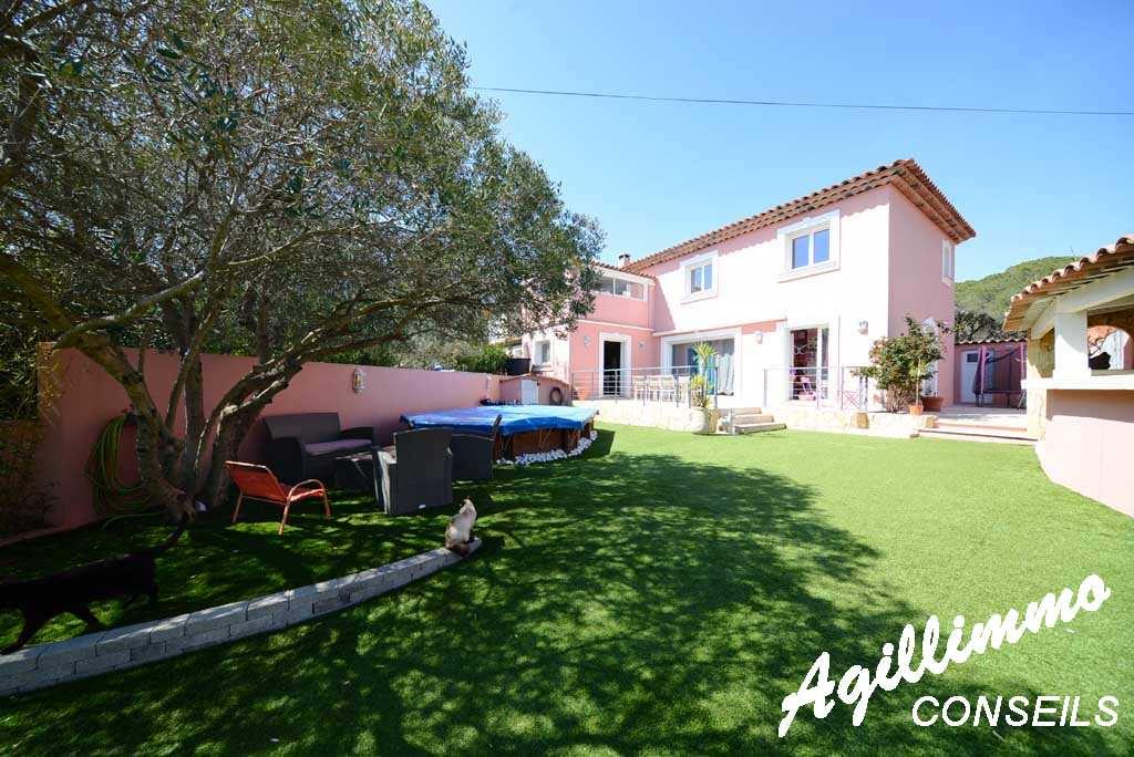 Maison 5 pièces avec jardin sur 508 M2 de terrain - FREJUS - Sud de la France