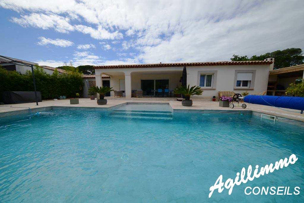 Villa 5 pièces de plain-pied avec piscine - PUGET SUR ARGENS - Sud de la France