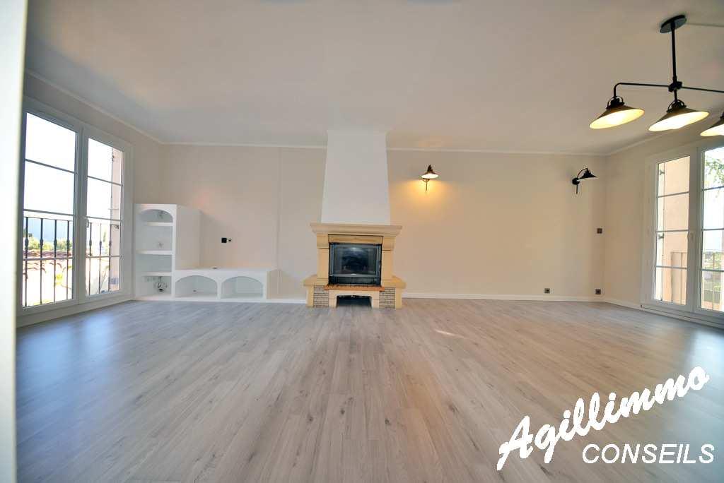 Maison de 4 pièces en hameau sans charge - PUGET SUR ARGENS - Sud de la France