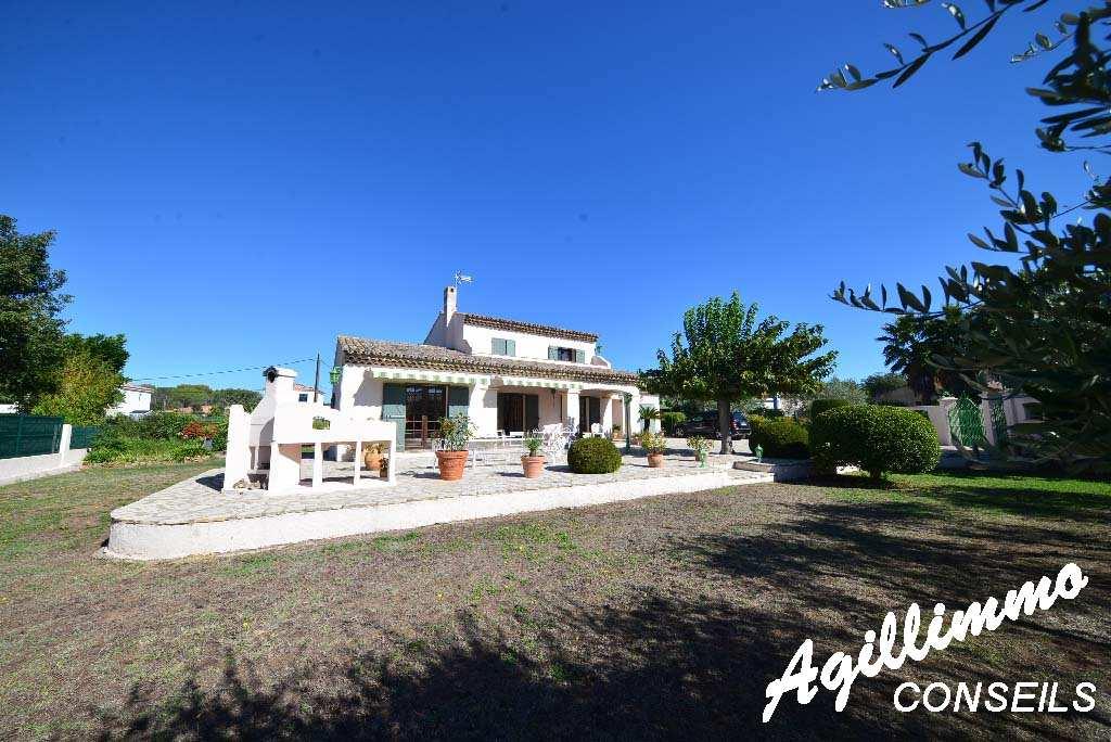 Maison individuelle 5 pièces - PUGET SUR ARGENS - Sud de la France