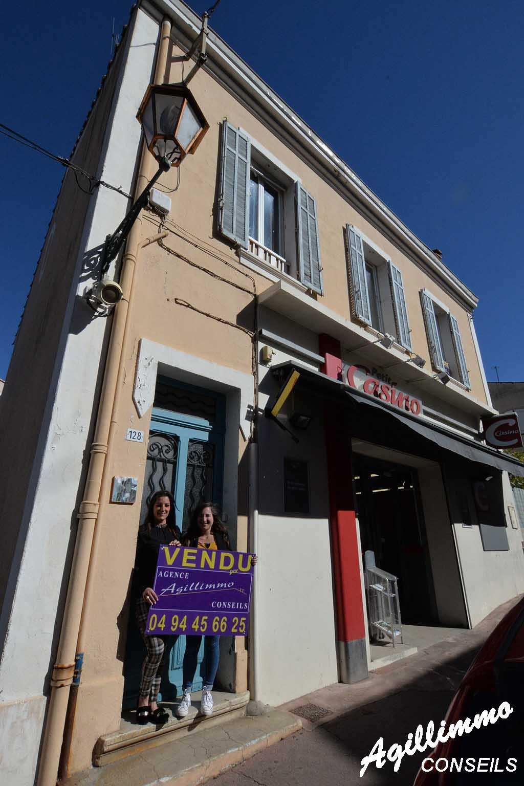 Immeuble avec rapport locatif - PUGET SUR ARGENS - Sud de la France