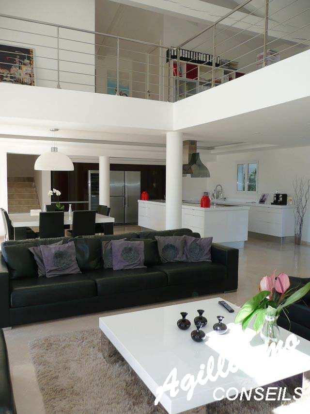 Villa moderne de luxe sur terrain 3072 m2 - LE CANNET DES MAURES - Sud de la France